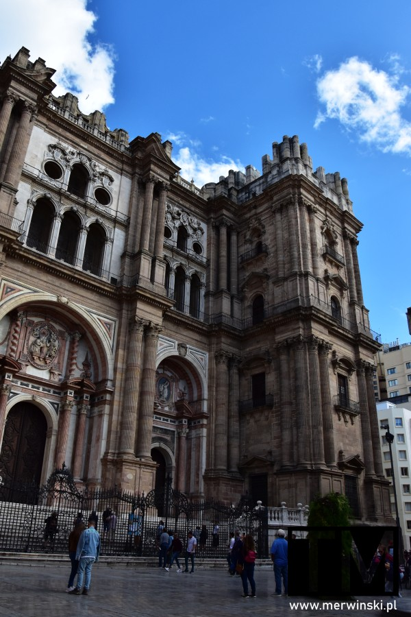 Elewacja katedry w Maladze