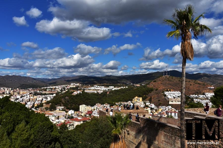 Mury Alcazaby, góry i Malaga