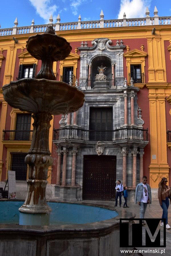 Fontanna i Pałac Biskupa w Maladze