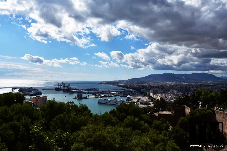 Widok na Malagę i port