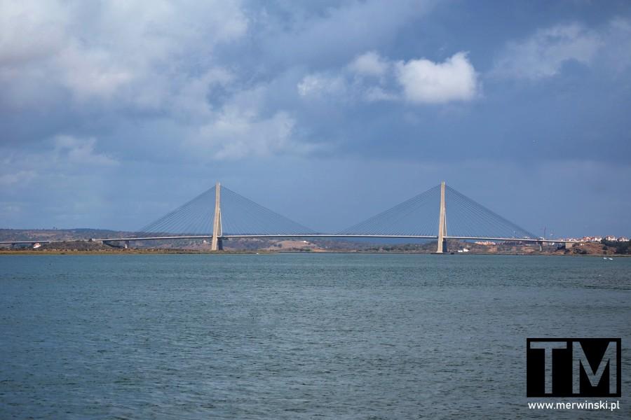 Most nad Gwadianą między Hiszpanią a Portugalią