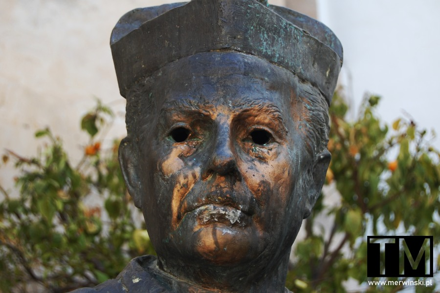 Pomnik Gustavo Gutiérrez w Ayamonte