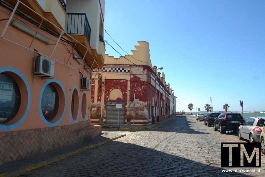 Budynek bazaru chińskiego w Ayamonte