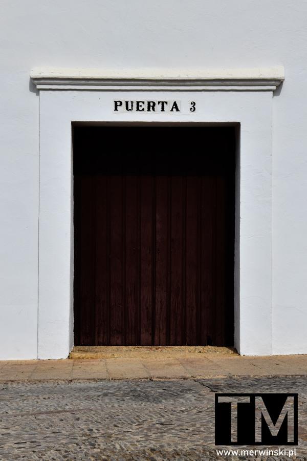 Puerta 3 - brama do areny walki byków w Rondzie
