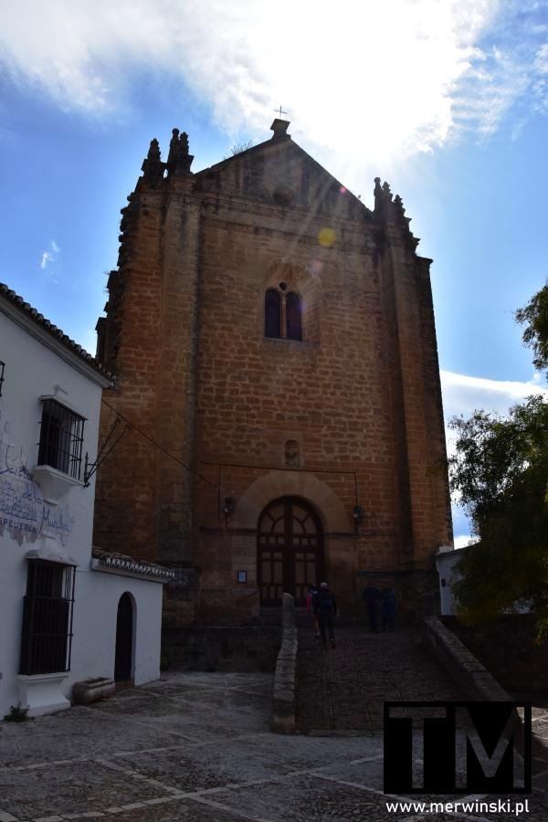 Front kościoła Santa María y del Espíritu Santo w Rondzie