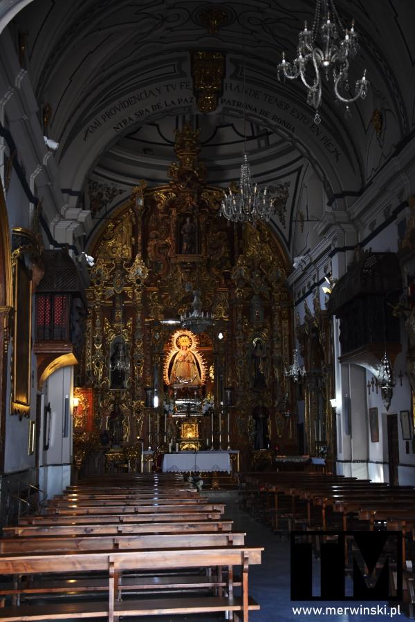 Ołtarz w kościele Nuestra Señora de La Paz w Rondzie
