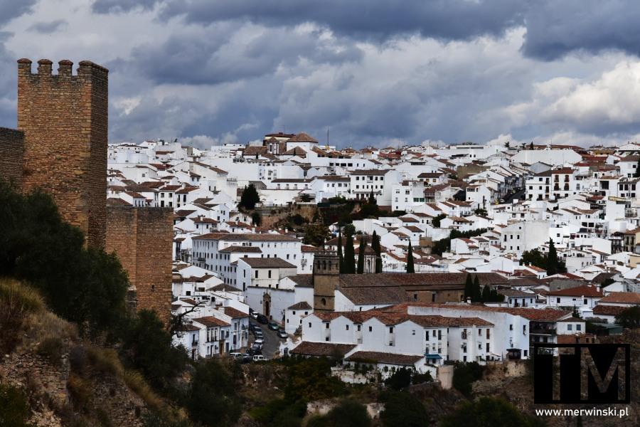 Widok na miasteczko w Andaluzji - Ronda