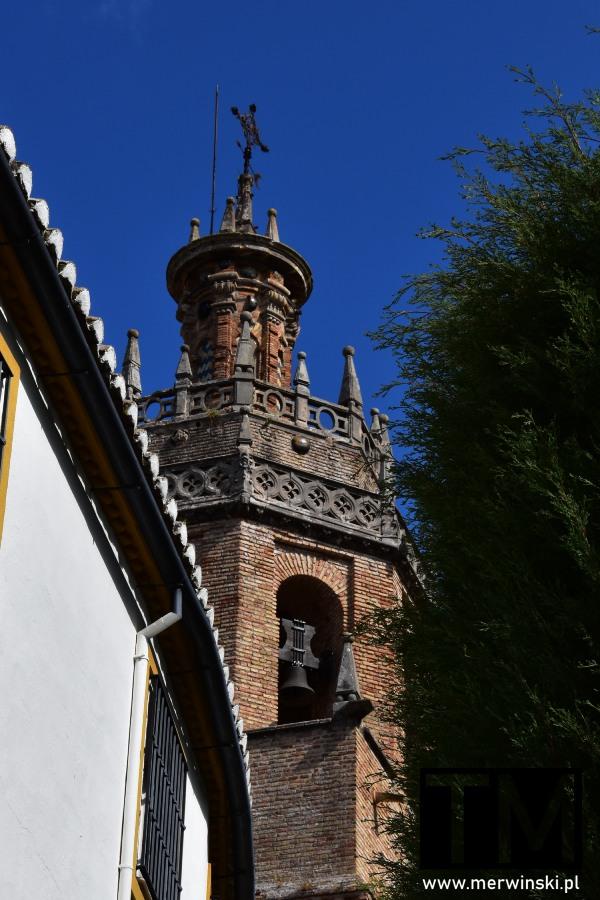 Wieża kościoła Santa María la Mayor w Rondzie