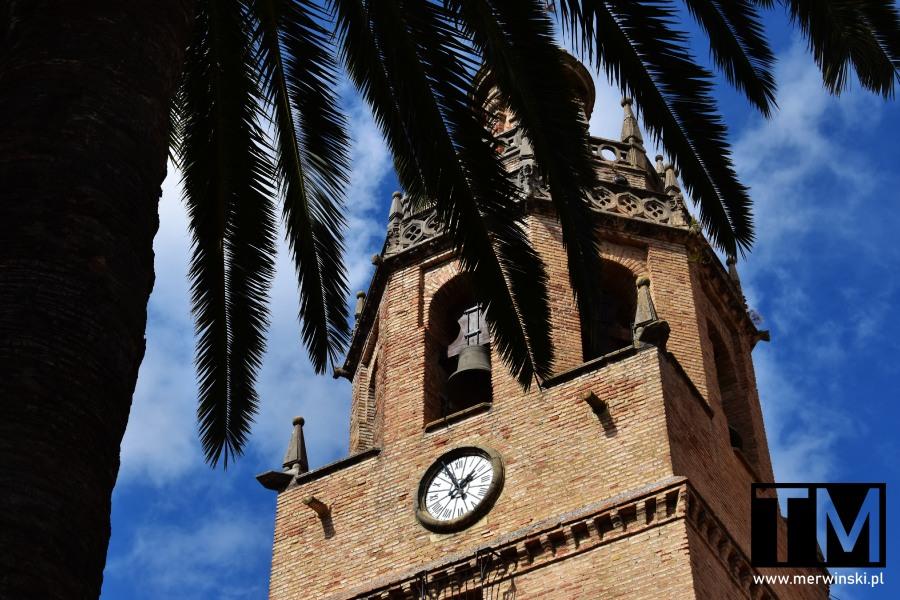 Zegar na wieży kościoła Santa María la Mayor w Rondzie